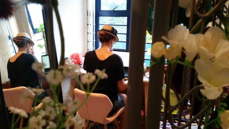 image-The Girl with a Hat – La modiste française à Singapore