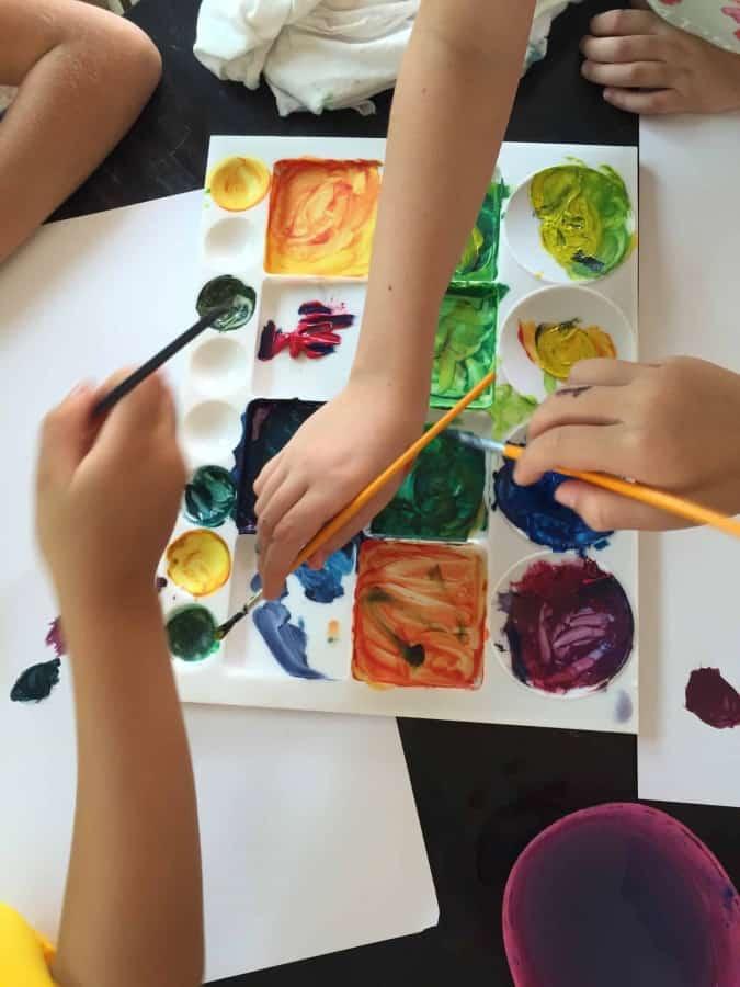 image-oh la la…lah! Cours de céramique et stage d'arts visuels pour enfants
