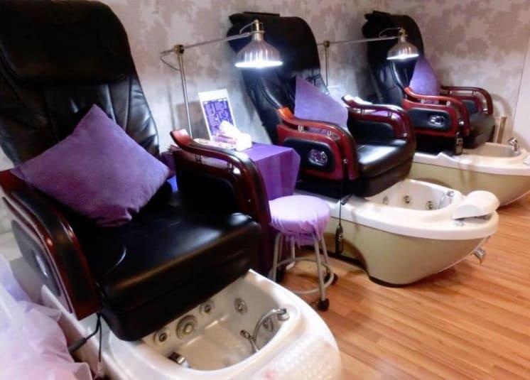 image-Chic Nails : Salon de manucure, pédicure, soins des ongles